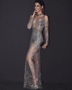 Look Camila Coutinho no Baile da Vogue: vestido de Patricia Bonaldi com muita transparência, brilho e decotes