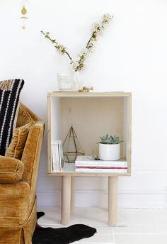 DIY: plywood side table