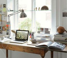 Aménager un bureau devant une fenêtre.