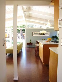 My Houzz: A Mid-Century Marvel Revived in Long Beach - midcentury - Living Room - Orange County - Tara Bussema - Neat Organization and Design Mid Century Living Room, Mid Century House, Mid-century Interior, Interior Design, Salon Mid-century, Floor Design, House Design, Mid Century Ranch, Living Room Orange