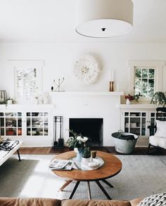 circle coffee table and white painted fireplace My Living Room, Living Room Interior, Home Interior, Home And Living, Living Room Decor, Living Spaces, Interior Livingroom, Kitchen Interior, Living Room Inspiration