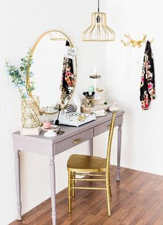 New Diy Bedroom Table Makeup Vanities Ideas Decor, Furniture, White Bedroom Set Furniture, Minimalist Decor, Glam Decor, Beauty Room, Interior, Vanity Design, Home Decor