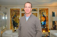 This Easter weekend, Denver Broncos' starting quarterback Peyton Manning came by to visit Elvis Presley's Graceland. He seems to be enjoying this NFL offseason, and there is no other place to be than at Graceland.