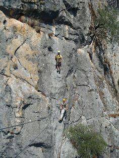 Castillo Del Águila. Del blog: simebuscasestoyconlas cabras.blogspot.com.es   Vía Ferrata Gaucin #gaucin