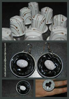 Pour les curieuse voici à quoi ont servi mes capsules de café : à faire une paire de boucles d'oreilles et 2 bagues !  Pour commencer il vous faut : - des capsules (ayant servi hein pas de ga...