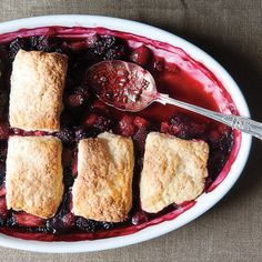 Fall Fruit Crisp, Crumble, and Cobbler Dessert Recipes Strawberry Dessert Recipes, Strawberry Desserts, Spring Desserts, Just Desserts, Mixed Berry Cobbler, Strawberry Rhubarb Compote, Roasted Strawberries, Just Cooking, Country Cooking