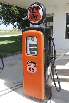 Phillips 66 Old gas pump