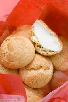 Eggnog cream puffs [recipe]