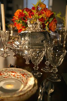 setting-a-holiday-table-with-christies-1 Antique Coalport China, Baccarat Crystal