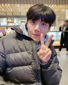 Ho Baby, Kim Sun, Gong Yoo, Korean Actors, Tigger, Winter Jackets, Boys, Idol, Random