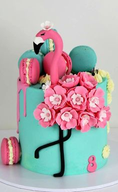 What a cutest thing ! Flamingos Cake by Sandy Robb cakes . Beautiful Cakes, Amazing Cakes, Cake Cookies, Cupcake Cakes, Fete Emma, Flamingo Cupcakes, Flamingo Birthday, Drip Cakes, Occasion Cakes