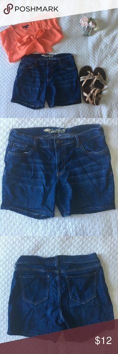 Old Navy Jean Shorts Approx. 5 inch inseam. Size 8 regular, worn once, in great condition!! Old Navy Shorts Jean Shorts