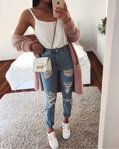 super Ideas for clothes cute casual ripped jeans Casual Summer Outfits, Simple Outfits, Classy Outfits, Spring Outfits, Winter Outfits, Chic Outfits, Cute Everyday Outfits, 30 Outfits, Outfit Summer