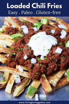 I crave chili and fries during the fall and winter, so these tasty chili fries are exactly what I want when the weather turns cooler. Great for game day! Paleo Recipes, Real Food Recipes, Paleo Food, Free Recipes, My Favorite Food, Favorite Recipes, Primal Blueprint Recipes, Paleo Breakfast, Whole 30 Recipes