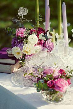From: Ana Rosa, please visit Love Flowers, My Flower, Beautiful Flowers, Purple Flowers, Elegant Table, Romantic Table, Decoration Table, Fairy Lights, Beautiful Gardens