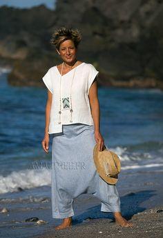 Sarouel bleu AZUR en lin chambray souple taille élastiquée sur l'arrière-:- AMALTHEE CREATIONS-:- n° 3406