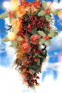 Christmas Scenes, Christmas Wreaths, Merry Christmas, Gifs, Mobile Wallpaper, Irises, Holiday Decor, Winter, Crafts