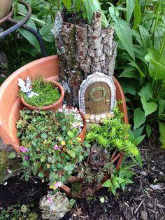 jardins miniatures dans des pots casses 7   Des jardins dans des pots cassés   pot photo miniature jardin image casse bricolage