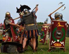 Nec Hercules contra plures... Mixing Tolkien with Legions of Rome. Legio XXI Rapax. I Hercules dupa kiedy ludzi kupa... Forward sons of Durin!/Naprzód synowie Durina! ;)