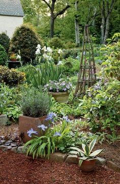 In the last several years potager gardens are currently extremely popular in the garden design world. Most people wonder how to style one potager garden ideas Cottage Garden Patio, Cottage Garden Design, Potager Garden, Garden Landscaping, Landscaping Ideas, Garden Beds, Cottage Gardens, Backyard Ideas, Terraced Garden
