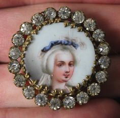 Wowsers! Antique French Hand Painted Portrait Button :: Marie Antoinette