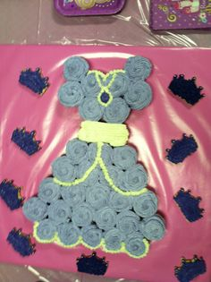 Sofia the first birthday cake made of cupcakes. My daughter loved it and so did everyone else