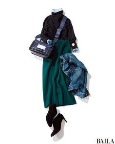 今日は、黒タートルにブルー&グリーンのクールな色みを合わせた配色で。タートルの下からブルーシャツをちら見せすれば、抜け感のあるムードに。スカートや足もとがエレガントなぶん、はおりにGジャンを加えてカジュアルダウンするとこなれたスタイルになります。 タートルネックニット¥30000・・・