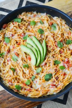 "Apples and Sparkle: Sopa Seca de Fideo (""Dry Soup with Noodles"") Cant wait to make it!!"