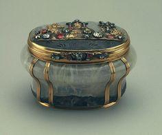 Antique jeweled snuff box.