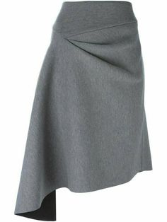 DKNY jupe à design asymétrique Robes Glamour, High Skirts, Women's Skirts, Draped Skirt, Fashion Details, Fashion Design, Asymmetrical Skirt, Gray Skirt, Mode Outfits