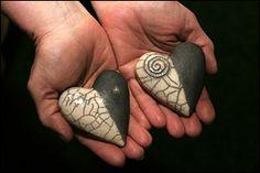 Raku Raku Pottery, Pottery Sculpture, Slab Pottery, Sculpture Clay, Pottery Art, Ceramic Beads, Ceramic Clay, Raku Kiln, Kintsugi