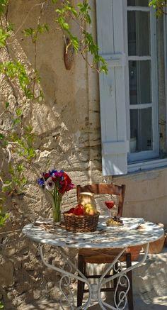 Bon petit déjeuner en Provence