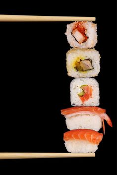 How to Make Sushi Rolls by Homemade Recipes at http://homemaderecipes.com/healthy/lunch/how-to-make-sushi-rolls/