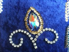 Shushanna Designs: How to bedeck, bead & ornamentize bellydance costumes