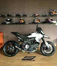 - Ducati Motor Holding S. Ducati Hypermotard, Motorcycle Outfit, Motorcycle Bike, Ducati Motorcycles, Cars And Motorcycles, Yamaha Mt07, Super Bikes, Motard Bikes, Velentino Rossi