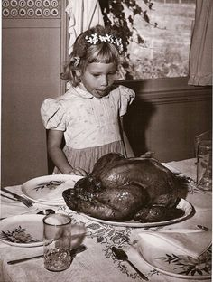 First Thanksgiving turkey Cooking Thanksgiving Turkey, Vintage Thanksgiving, Vintage Holiday, Happy Thanksgiving, Vintage Halloween, Thanksgiving Pictures, People Poses, Photo Vintage, The Good Old Days