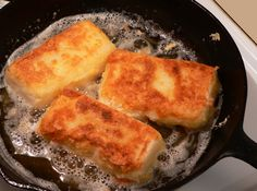 Southern Fried Grits Fried-Grits – Taste of Southern Fried Grits Recipe, Fried Grit Cakes Recipe, Breakfast Dishes, Breakfast Recipes, Grits Breakfast, Breakfast Ideas, Southern Recipes, Southern Food, Brunch Recipes