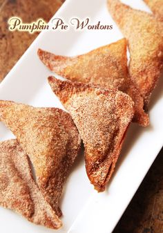 Art Deep-fried Pumpkin Pie Wontons coated in cinnamon-sugar. The perfect finger-food dessert. These get devoured fast! Holiday Desserts, Just Desserts, Delicious Desserts, Dessert Recipes, Yummy Food, Healthy Food, Healthy Recipes, Thanksgiving Recipes, Fall Recipes