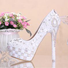 Fashion White Flower Pearl Crystal Wedding Shoes Rhinestone Super High Heel Bridal Dress Shoes Round Toe Wedding Ceremony Shoes //   Цена: $ US $89.25 & Бесплатная доставка //    #fashionmartonline #мода #стиль