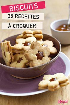 Un dossier pour petits et grands gourmands… Que vous aimiez croquer des biscuits au petit-déjeuner, au goûter, à l'heure du thé ou entre les repas lorsque vous avez un petit creux, nos recettes de sablés et cookies maison sont faites pour vous ! Croquez dans un sablé fourré à la confiture, confectionnez des macarons pour épater vos convies, des cookies aux pépites de chocolat pour faire plaisir à toute la famille, ou préparez les traditionnels sablés de Noël avec les plus petits… Parfait…