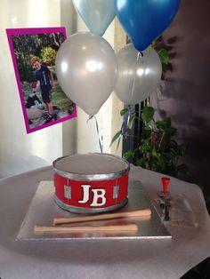 KayB's Cakes: Drum Cake: Tutorial