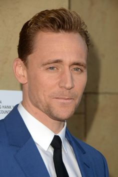 Tom Hiddleston attends the premiere of Sony Pictures Classics' #I SAW THE LIGHT# at the Egyptian Theatre on March 22, 2016. Full size image (UHQ): http://ww1.sinaimg.cn/large/6e14d388jw1f26nuv62yej22io3swqne.jpg Source: Torrilla, Weibo http://www.weibo.com/1846858632/Dnz09ugqb?from=page_1005051846858632_profile&wvr=6&mod=weibotime&type=comment#_rnd1458752212544