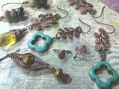 DIY wire jewelry. This website is full of inspiration and instructions!