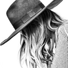 Envers du Decor in 2020 Black And White Portraits, Black And White Pictures, Estilo Cowgirl, Looks Style, My Style, Love Hat, Headgear, Fall Outfits, At Least
