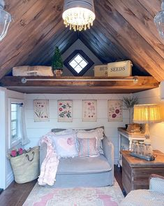 Shed Bedroom Ideas, She Shed Interior Ideas, She Shed Decorating Ideas, Shed With Loft, Shed To Tiny House, Garden Shed Interiors, Shed Makeover, Craft Shed, Backyard Sheds