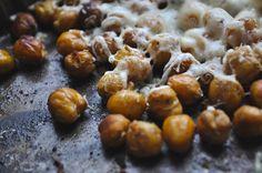 Pečený cícer s cesnakom parmezánom — Bratilicious Pretzel Bites, Delish, Bread, Diet, Cooking, Breakfast, Food, Drinks, Kitchen