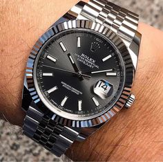 In some cases part of that image is the quantity of money you invested to use a watch with a name like Rolex on it; it is no secret how much watches like that can cost. Rolex Watches For Men, Seiko Watches, Luxury Watches For Men, Wrist Watches, Expensive Watches For Men, Analog Watches, Vintage Rolex, Vintage Watches, Vintage Men
