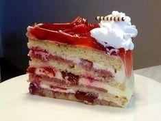Veľmi svieža torta s jahodami a jahodovým pyré Dessert Recipes, Desserts, Cheesecake, Food And Drink, Treats, Leto, Sweet, Style, Mascarpone