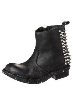 Jeffrey Campbell - BUSTER