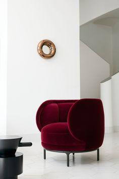 wittmann x hayon vuelta lounge chair